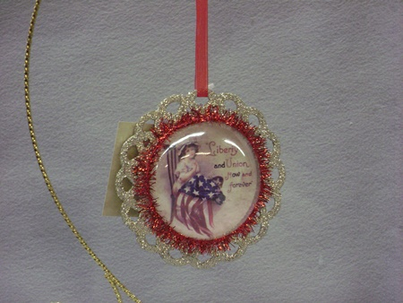 BL-LC4525B Americana Image Ornament (Girl with flag)