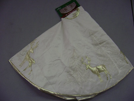 KA-TS0154 Gold Tree & Reindeer Tree Skirt